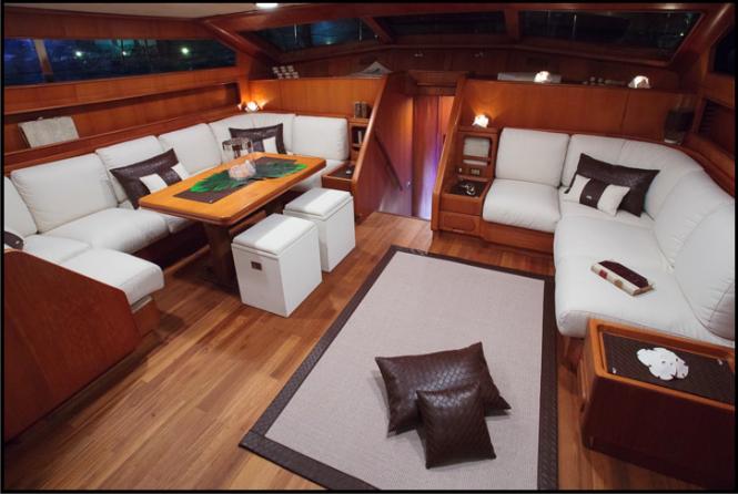 MY LOTTY yacht - Dinette