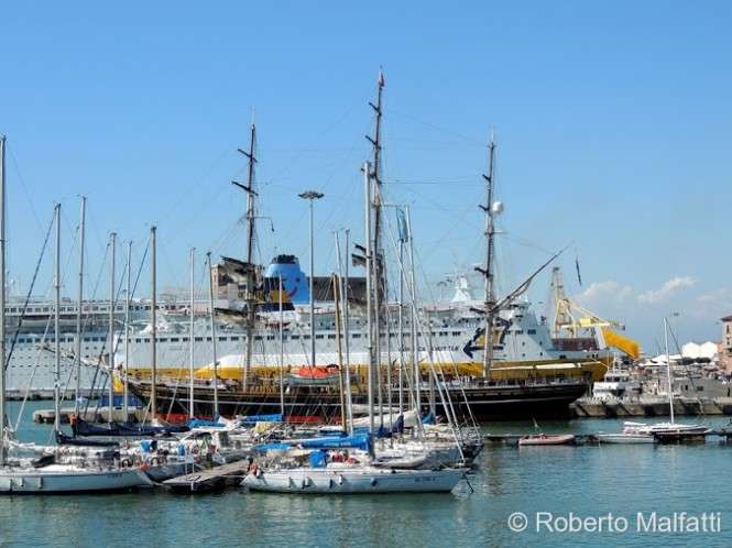 Stad Amsterdam in the port of Livorno  - Photo by Roberto Malfatti