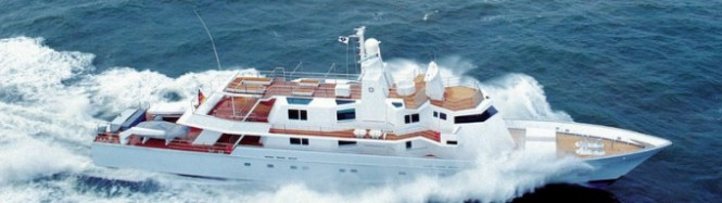 Image of superyacht RONIN before her refit