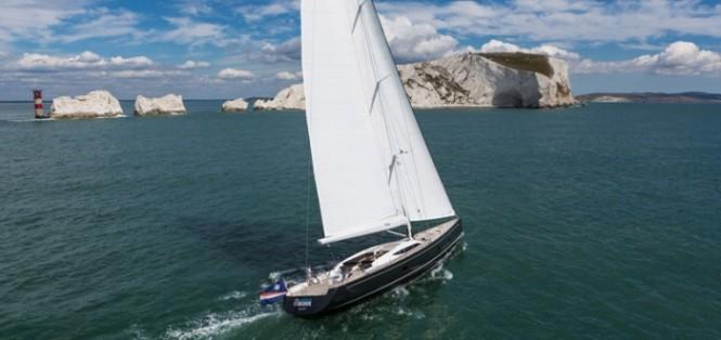 Inukshuk superyacht under sail