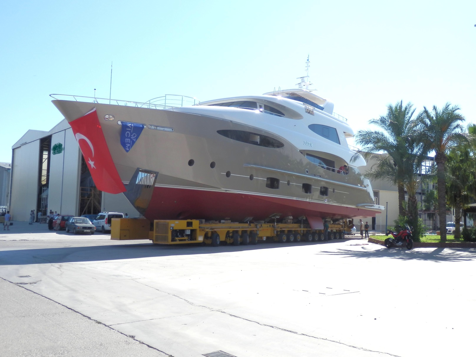 Launch of the Vulcan 38,5m superyacht Julem I by Vicem Yachts and Mulder Design