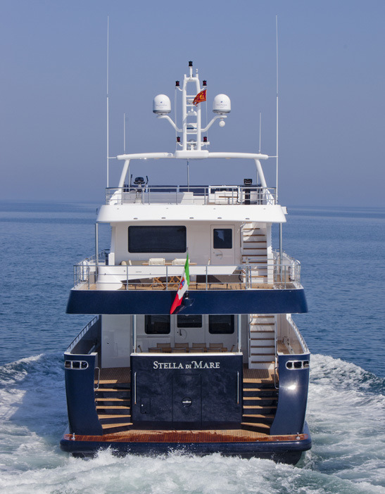 Motor yacht Stella di Mare - aft view