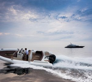 New Hunton 830 superyacht tender to be previewed at Cannes Boat Show 2013