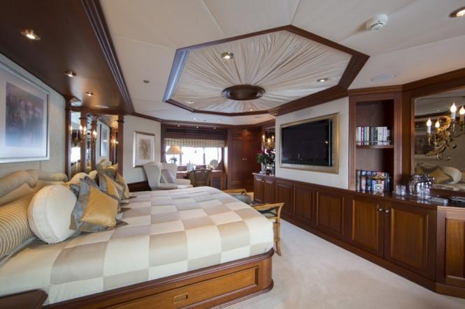 Owner suite - charter yacht MOSAIQUE
