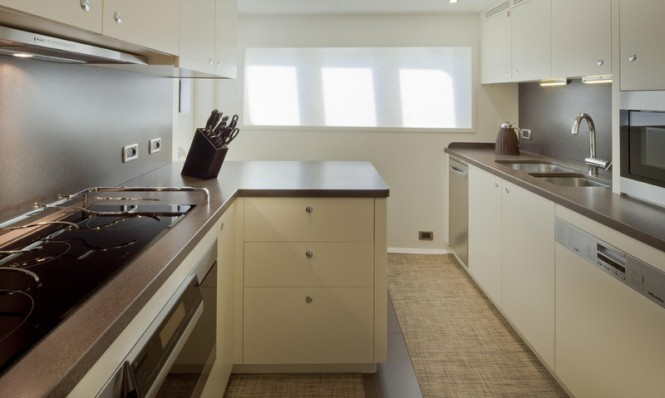 Stella di Mare Yacht - Galley