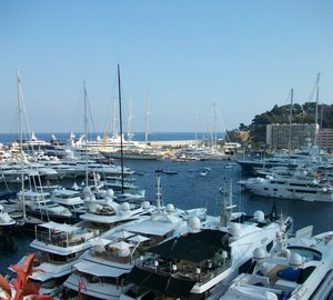 Sea trials aboard Riviera 24M Yacht YAMILOU IV equipped with Seakeeper 21000 gyro at MYS 2013
