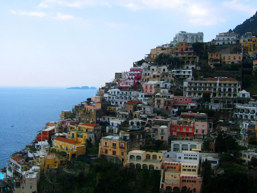 Amalfi coast yacht charter superyacht news for Italia amalfi