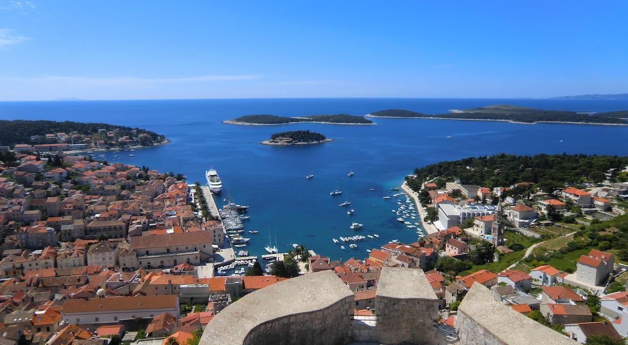 Hvar in croatia luxury yacht charter superyacht news for Hvar tourismus