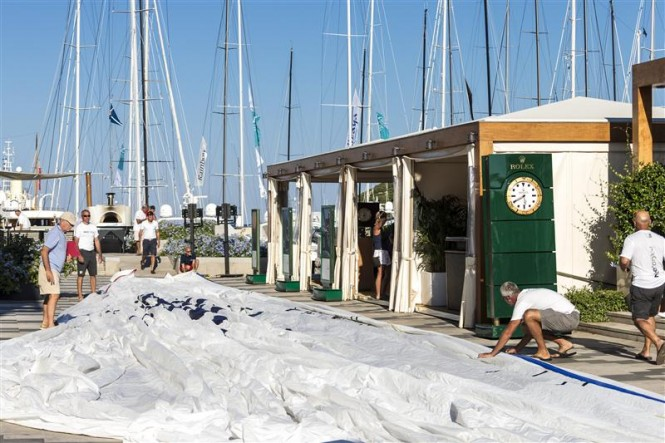 Sail measurement on Piazza Azzurra