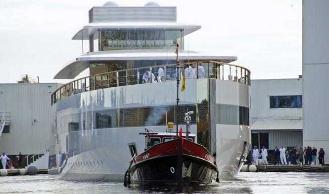 VENUS Yacht - front view