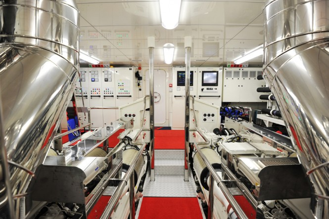 A2 Yacht - Engine Room