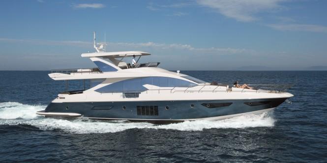 Azimut 80 Yacht Running