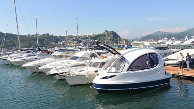 Jet Capsule yacht tender