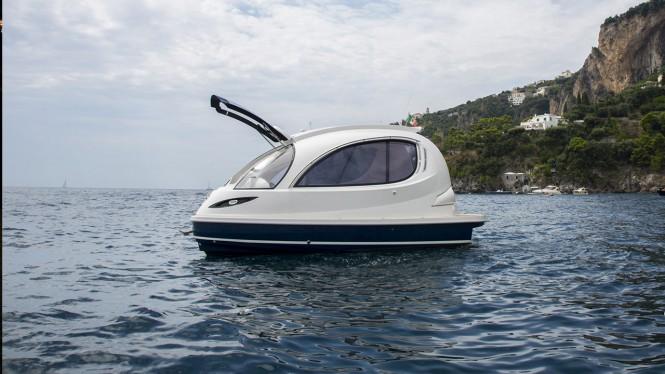 Jet Capsule yacht tender - side view