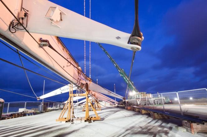 Mega yacht M5 - Stepping Mast