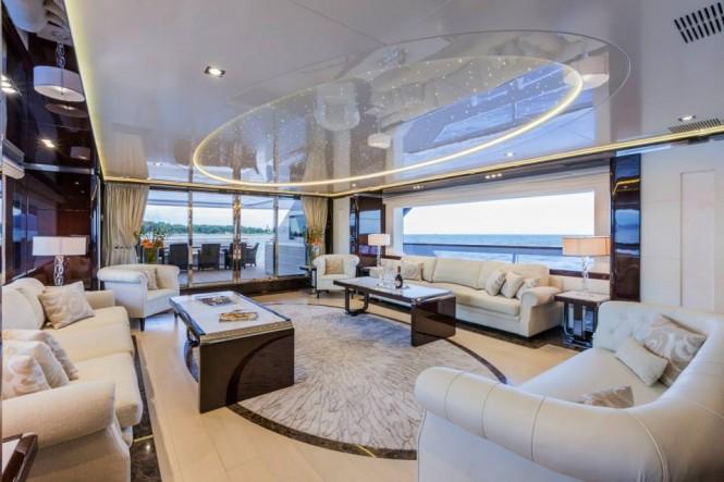 PARAM JAMUNA IV Yacht - Salon - Photo by Alberto Cocchi
