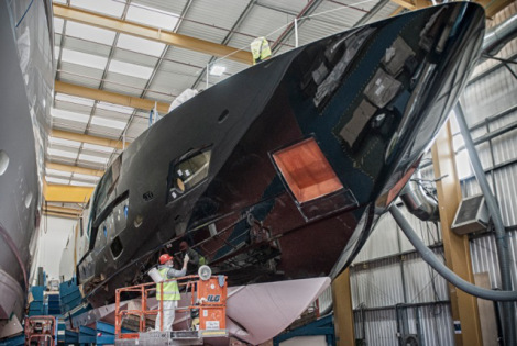 Windows are in place for Sunseeker 101 Sport superyacht Hull no. 1