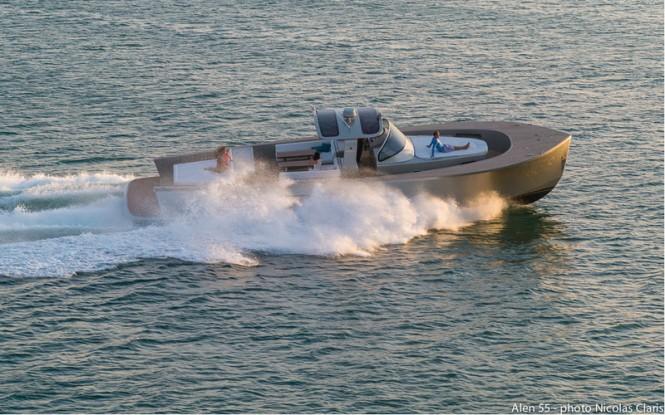 Alen 55 superyacht tender at full speed