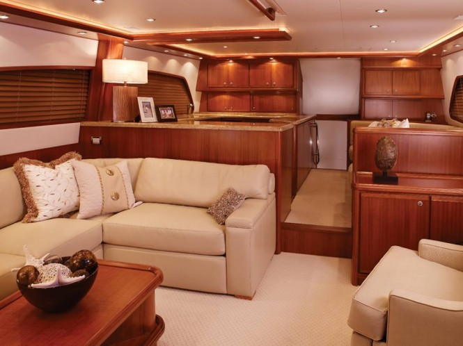 Bertram 70 Yacht - Interior