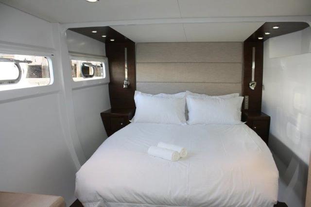 HQ2 Yacht - Cabin