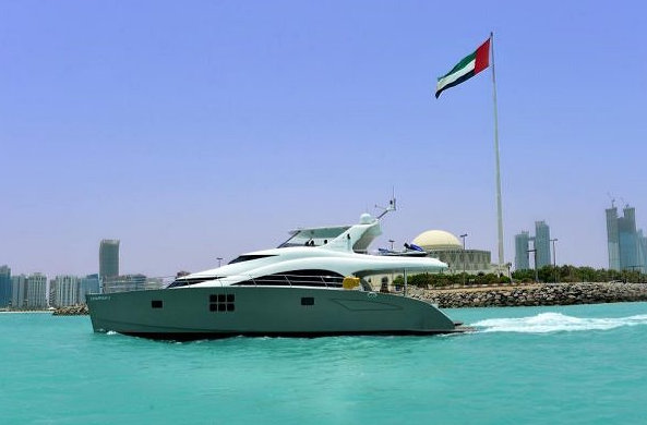 Luxury charter yacht Damrak II by Sunreef Yachts in Abu Dhabi