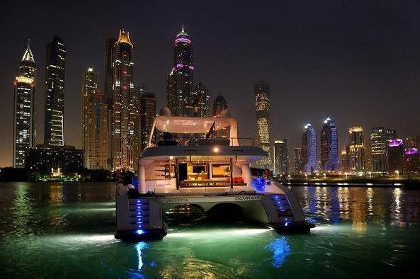 Luxury charter yacht damrak ii in dubai yacht charter for Dubai luxury