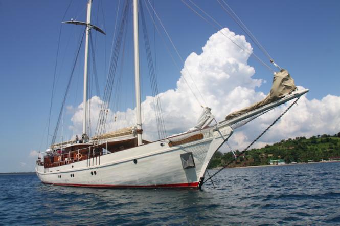 Luxury charter yacht Mutiara Laut