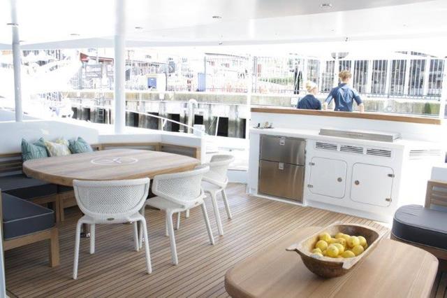 Luxury yacht HQ2 - Exterior