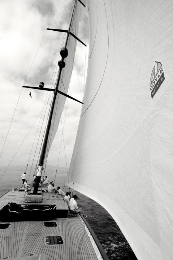 Luxury yacht Tempus Fugit