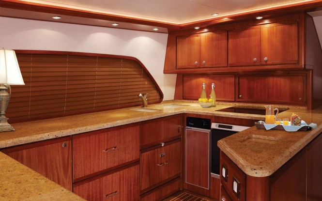 Motor Yacht Bertram 70 - Galley
