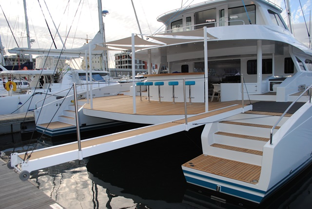 Open Ocean 750 Yacht HQ2 - aft view