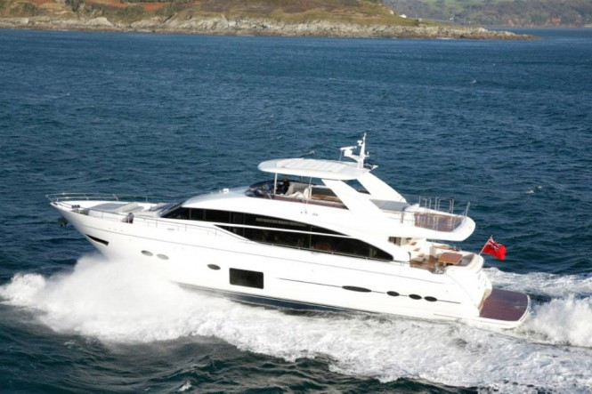 Princess 88 Yacht at full speed