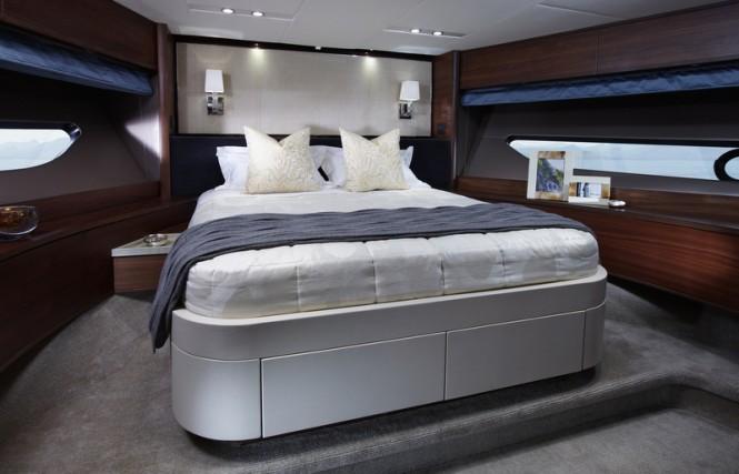88 Motor Yacht - Forward VIP Cabin