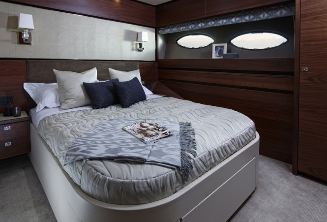 Princess 88 Yacht - Starboard Guest Cabin
