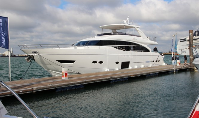 Princess 88 Yacht by Princess Yachts