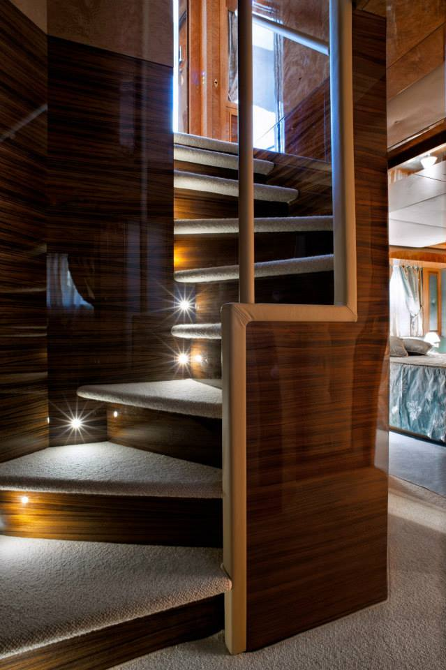 Amer 100 Yacht - Guest cabin stairs