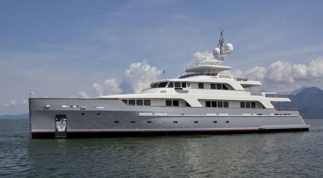 Codecasa 42 Vintage superyacht Hull F75