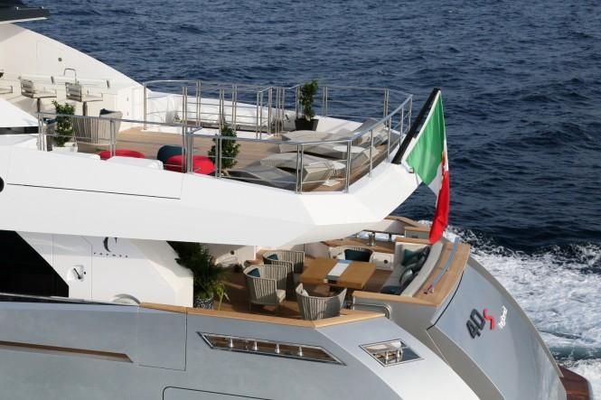 Columbus 40s Hybrid Yacht - Decks
