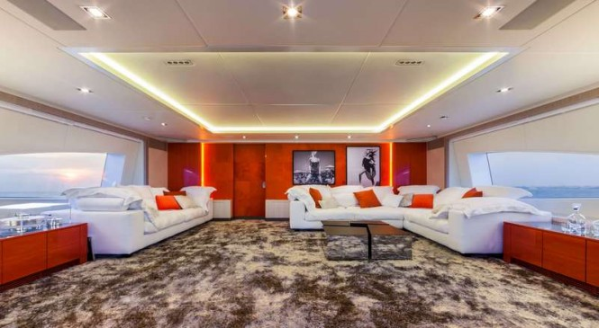 Luxury yacht Panthera - Upper Saloon