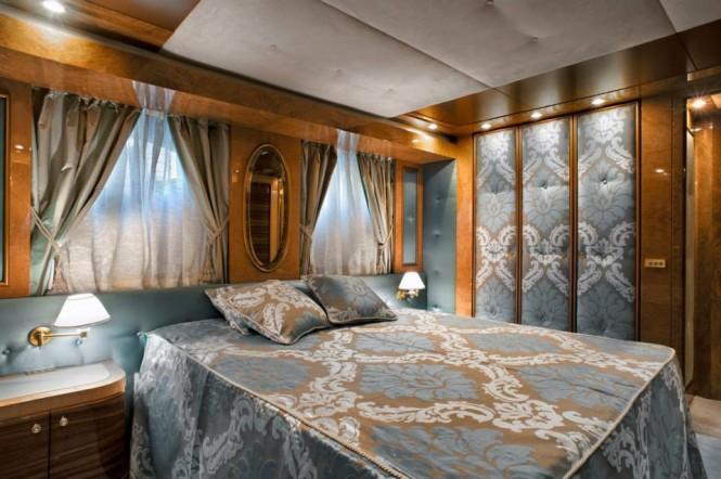 Motor yacht Amer 100 - Guest Cabin