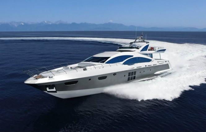 Superyacht Azimut Grande 120SL at full speed