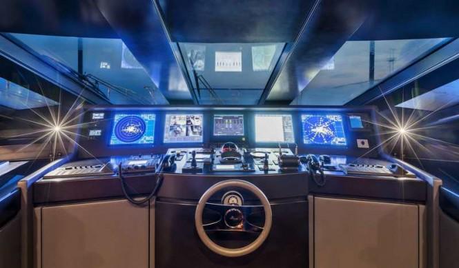 Superyacht Panthera - Wheelhouse