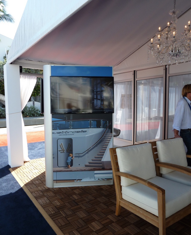 Virtual reality booth by Lurssen at FLIBS 2013