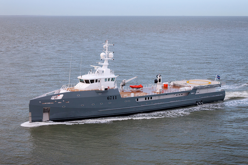 Damen Sea Axe 6711 Fast Yacht Support Vessel Under Sea