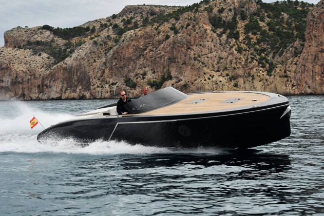 Frauscher 1017 GT yacht tender at full speed