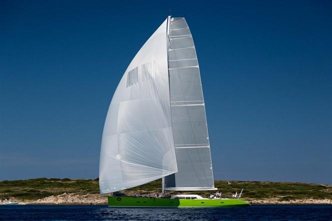 Inoui Yacht under sail - Photo by Carlo Baroncini
