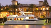 Luxury motor yacht Outer Reef 700