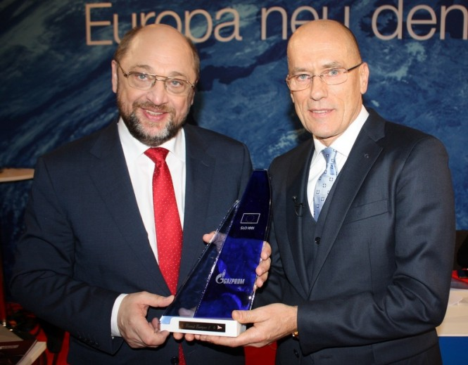 Martin Schulz, President of the European Parliament and Igor Simčič, founder of the Esimit Europa yacht project - Photo by Esimit Europa
