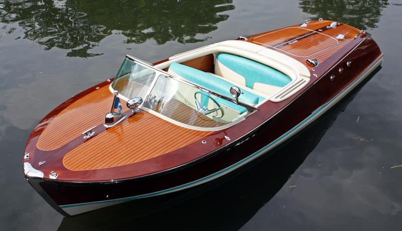 riva ariston yacht charter superyacht news. Black Bedroom Furniture Sets. Home Design Ideas