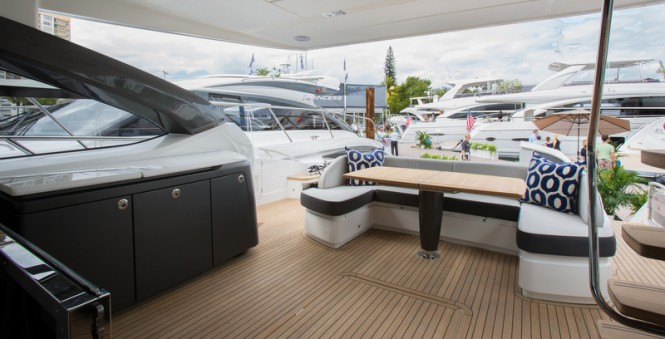 Princess S72 Yacht - Cockpit